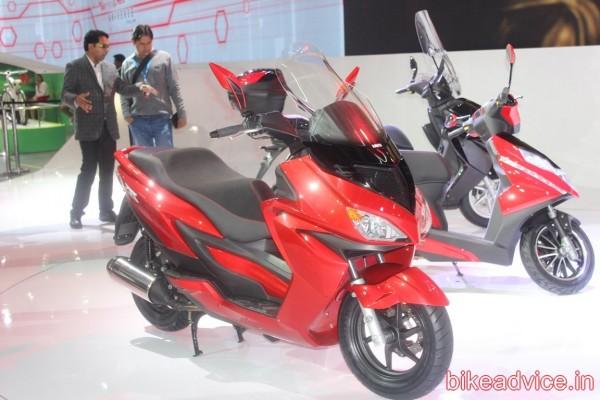 Hero-ZIR-150cc-Scooter-pics (3)