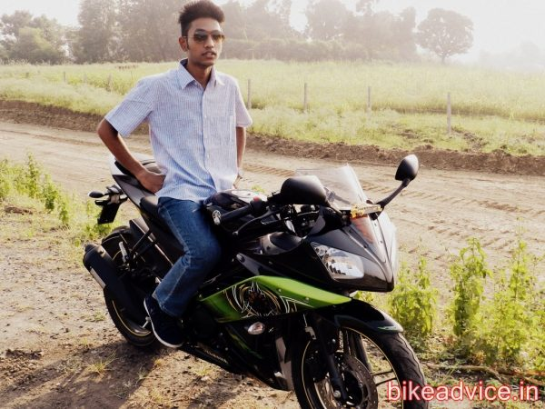 Yamaha-R15-Pic-Review (10)