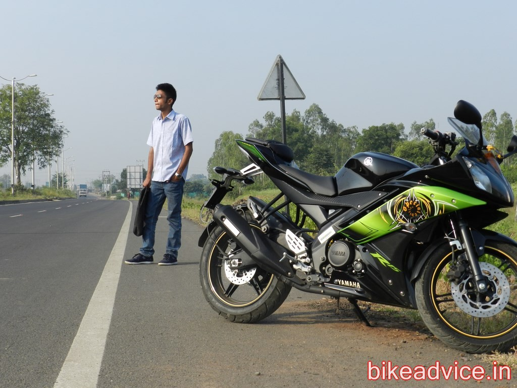 Review Yamaha R15: mileage,top speed, performance, mods & comfort
