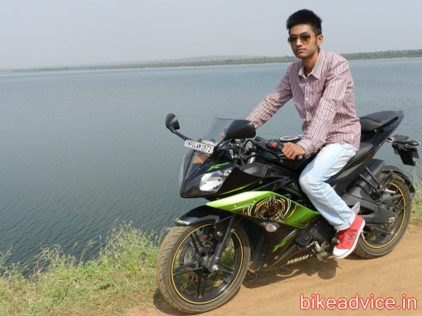 Yamaha-R15-Pic-Review (14)