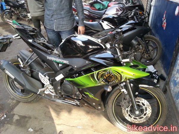 Yamaha-R15-Pic-Review