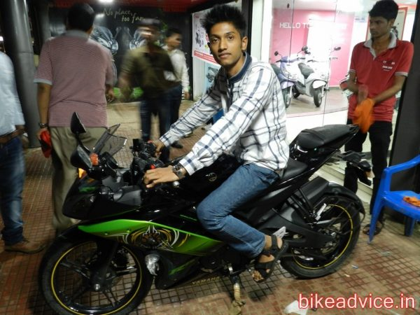Yamaha-R15-Pic-Review (9)