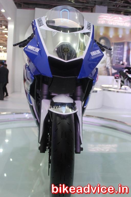 Yamaha-R25-Auto-Expo-front