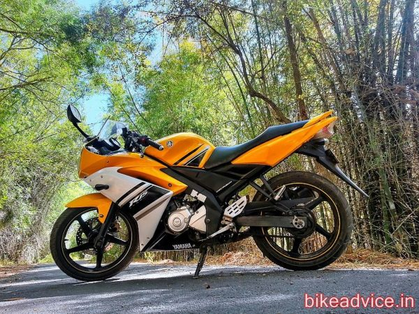Yamaha-YZF-R15-Pic-Review (1)