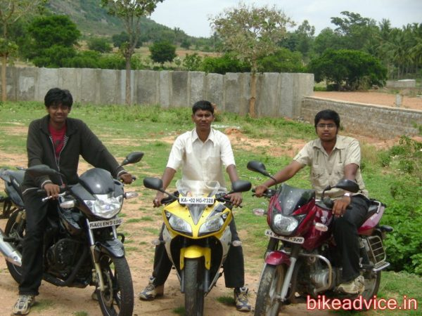 Yamaha-YZF-R15-Pic-Review (3)