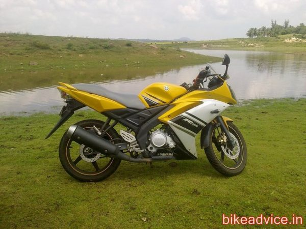Yamaha-YZF-R15-Pic-Review (4)