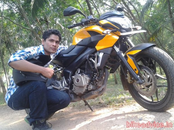 Pulsar-220-NS-Review-Pic (2)
