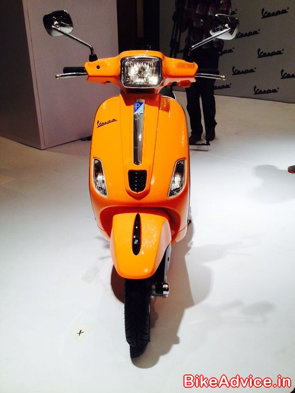 Vespa S Launched In India Price Rs 74 414 Pics Details
