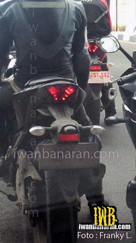 Yamaha-R25-Spy-pics-tyre
