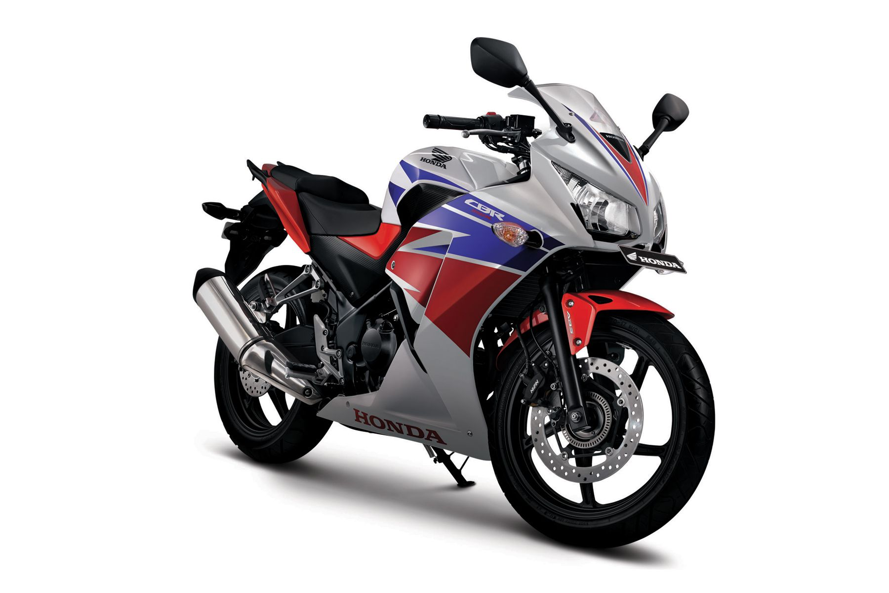 New 2015 Honda CBR250R Launched With More Power & Twin Headlamps in Indonesia