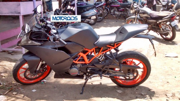 Rc390 Rc200 Pulsar 200ss Amp Pulsar 400ss Spied Together