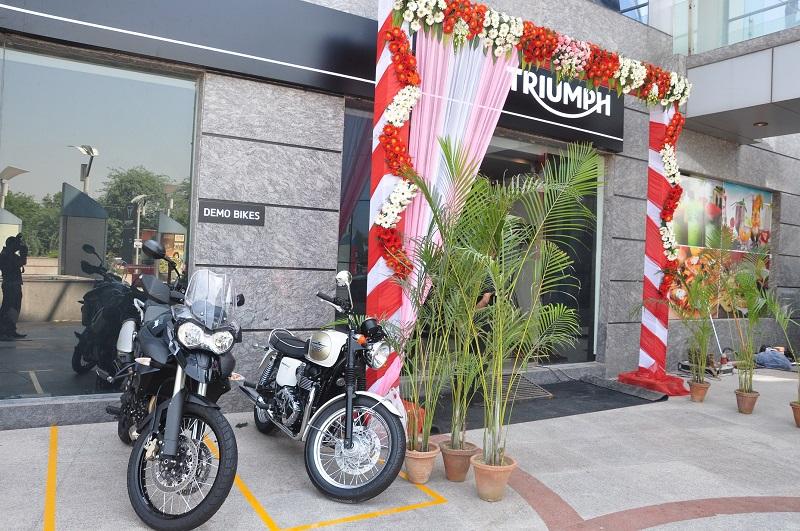 Ktm Showroom In North Delhi