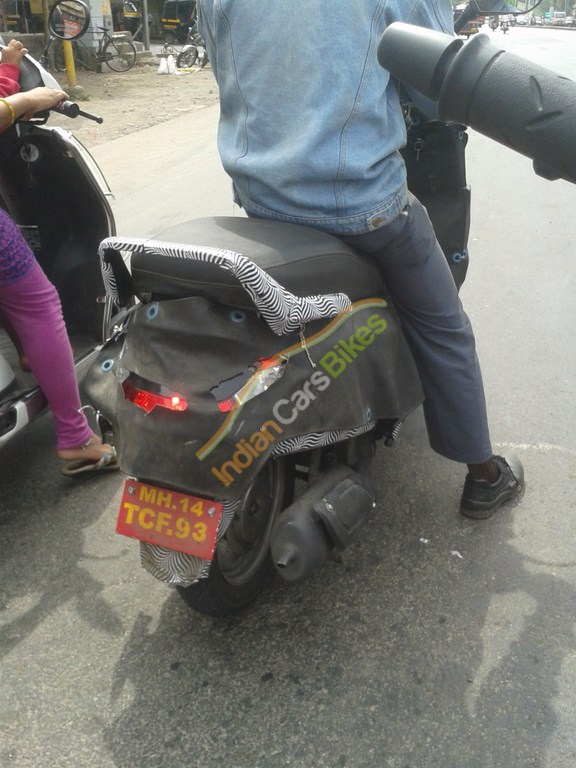 Mahindra-110cc-Scooter-Pics-rear