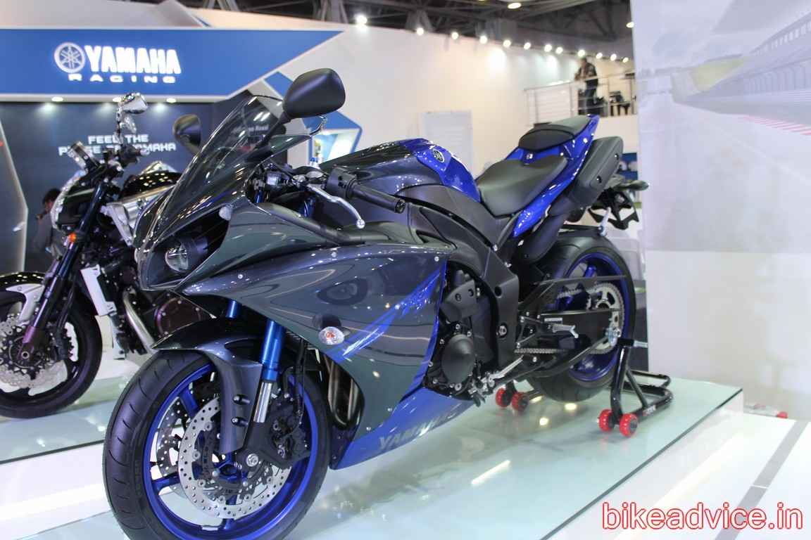 All New 2015 Yamaha YZF R1 Spotted May Output 230 Horses