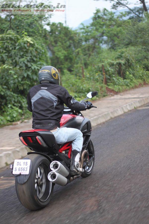 Ducati-Diavel-Carbon-India-Ride-Pics (10)