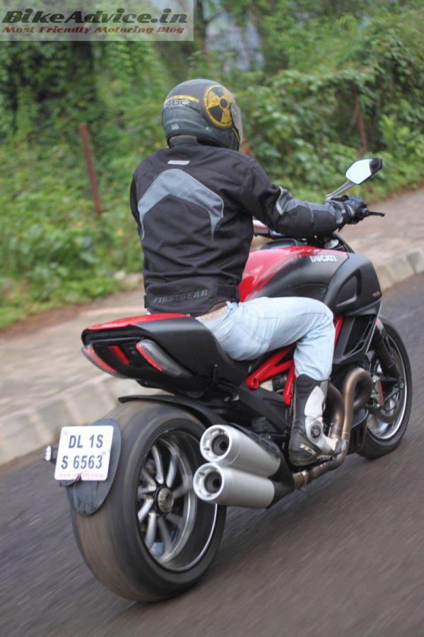 Ducati-Diavel-Carbon-India-Ride-Pics (11)