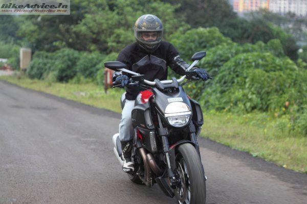 Ducati-Diavel-Carbon-India-Ride-Pics (12)