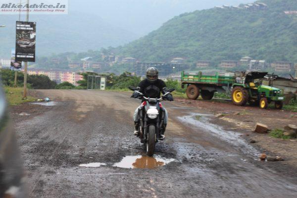 Ducati-Diavel-Carbon-India-Ride-Pics (13)
