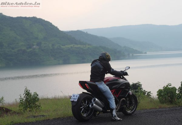 Ducati-Diavel-Carbon-India-Ride-Pics (19)