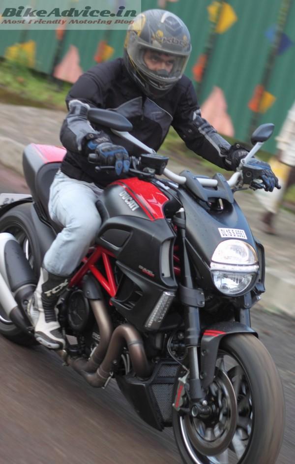 Ducati-Diavel-Carbon-India-Ride-Pics (25)
