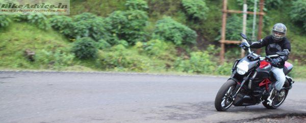 Ducati-Diavel-Carbon-India-Ride-Pics (27)