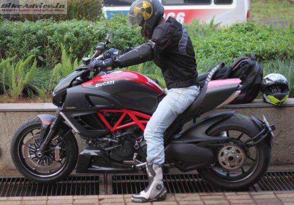 Ducati-Diavel-Carbon-India-Ride-Pics (29)