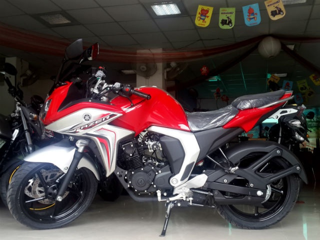New Pics of Red Fuel Injected Fazer 2.0; Sales Begin ... Yamaha Fazer 150cc Red