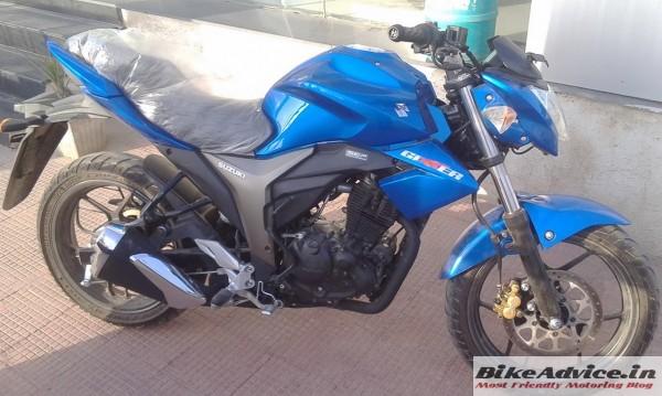 Suzuki-Gixxer-Blue-Pics-Side