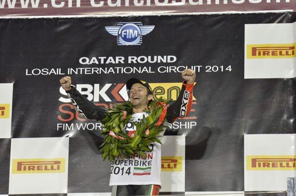 Sylvain-Guintoli_2014-World-SBK-Champion-Aprilia-RSV4 (1)