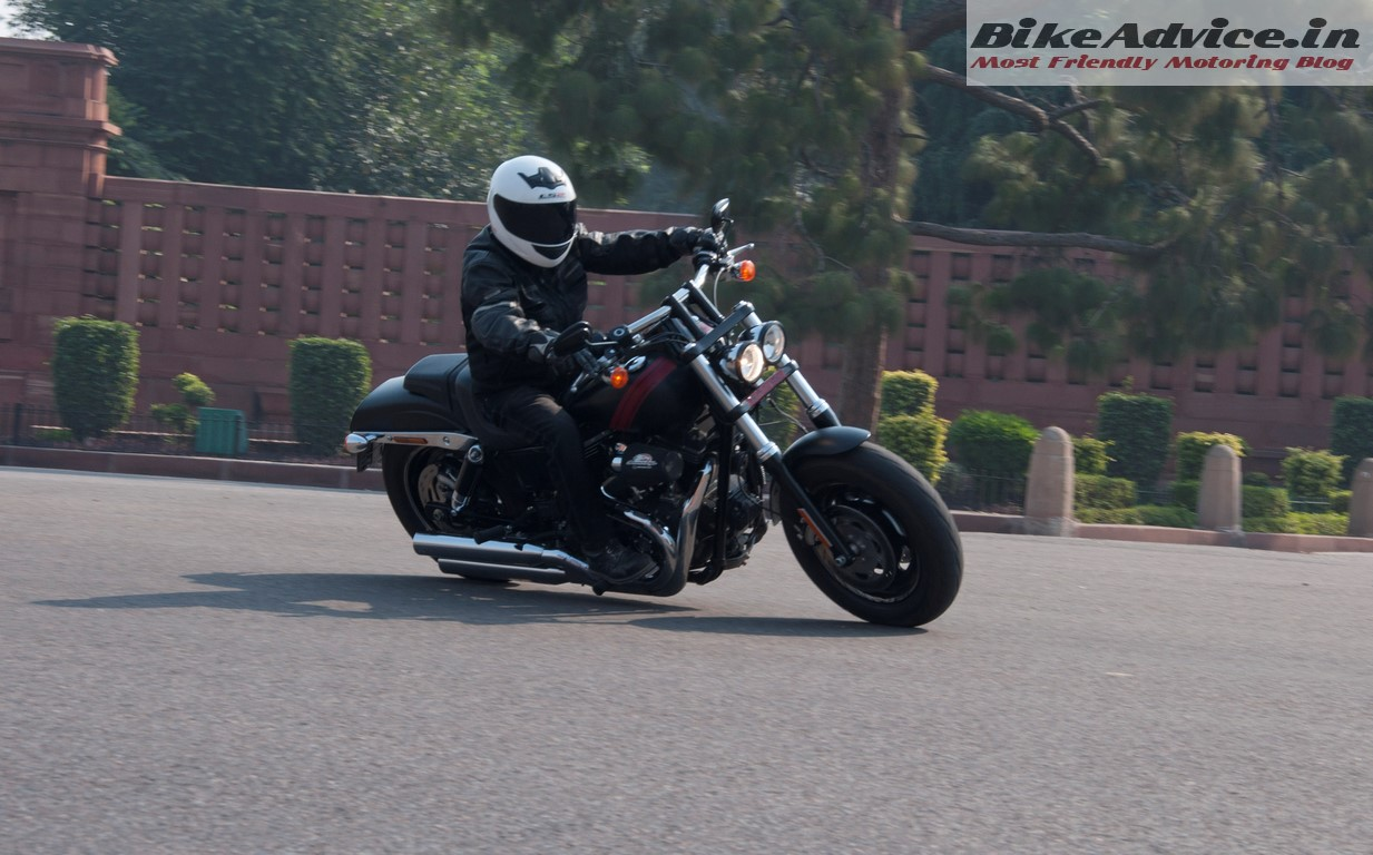 Harley-Davidson Fat Bob Cornering