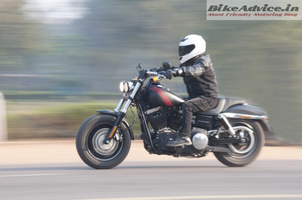 Harley-Davidson-Fat-bob-India-Review-Pictures-motion
