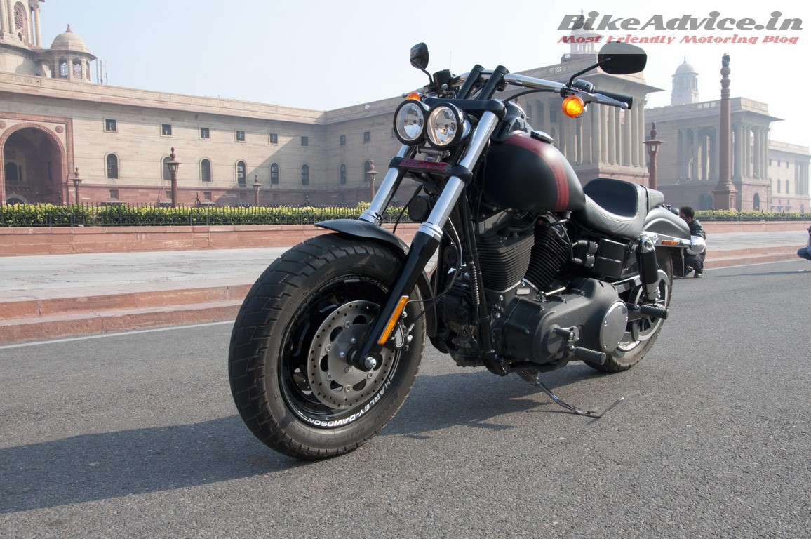 Harley-Davidson-Fat-bob-India-Review-Pictures-stance-front