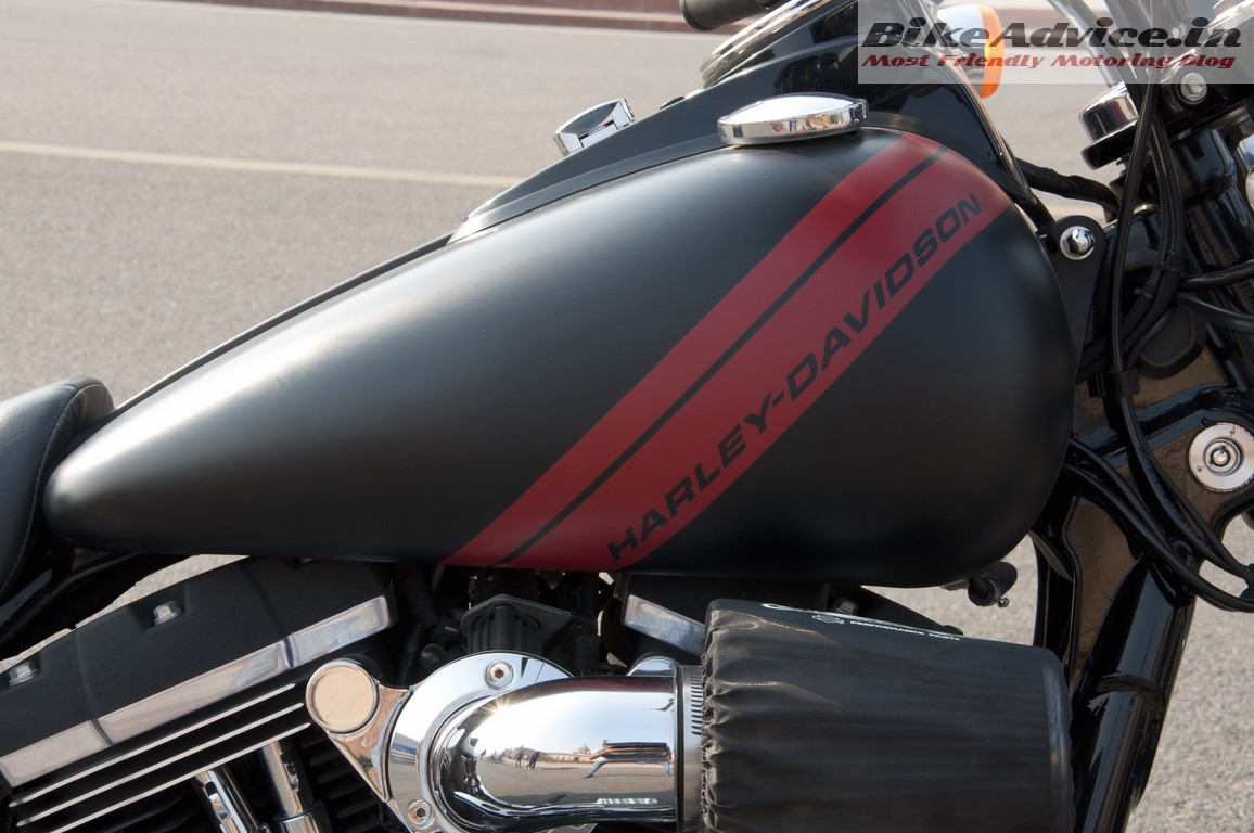 Harley-Davidson-Fat-bob-India-Review-Pictures-tank-view
