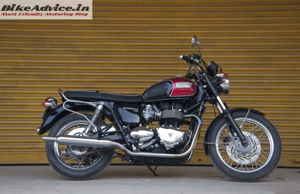 Triumph-Bonneville-India-test-ride-review-pics-black-red