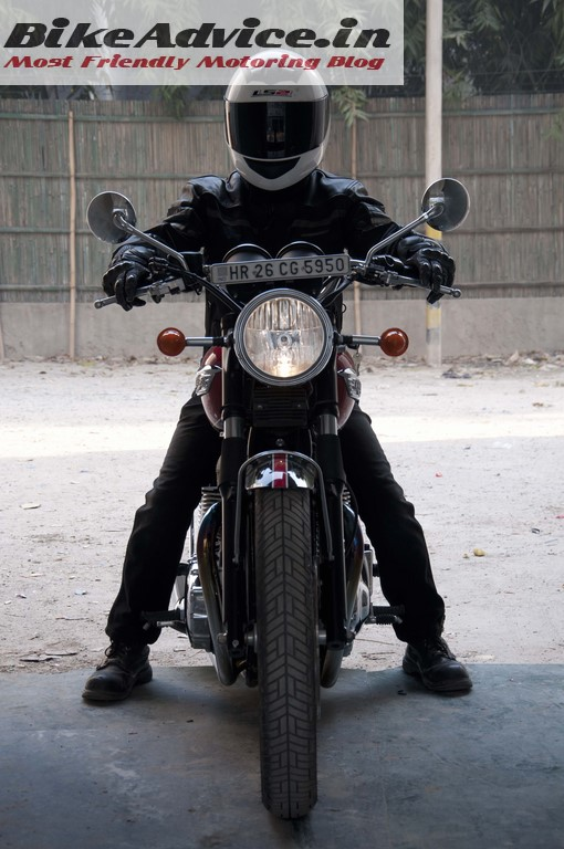 Triumph-Bonneville-India-test-ride-review-pics-rider