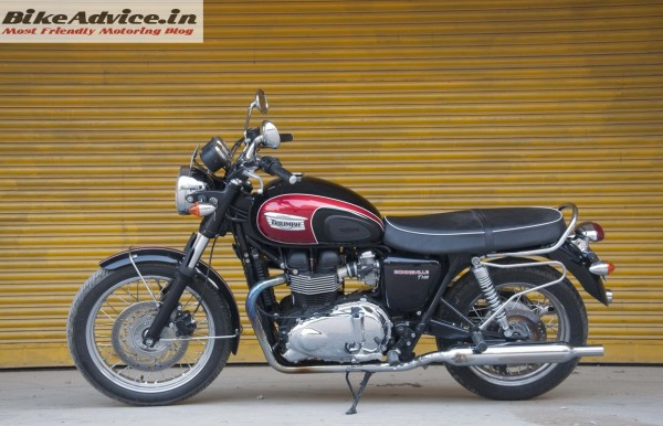 Triumph-Bonneville-India-test-ride-review-pics-side