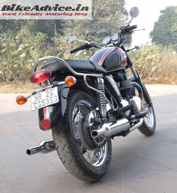 Triumph-Bonneville-India-test-ride-review-pics-two-silencers
