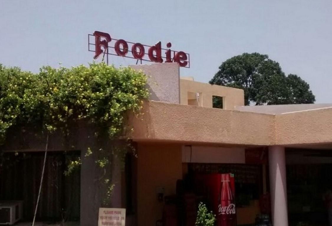 Foodie Resort (2)