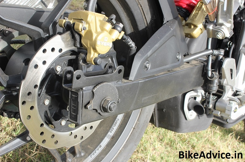 Pulsar-AS200-Tyre-Hugger-Latch