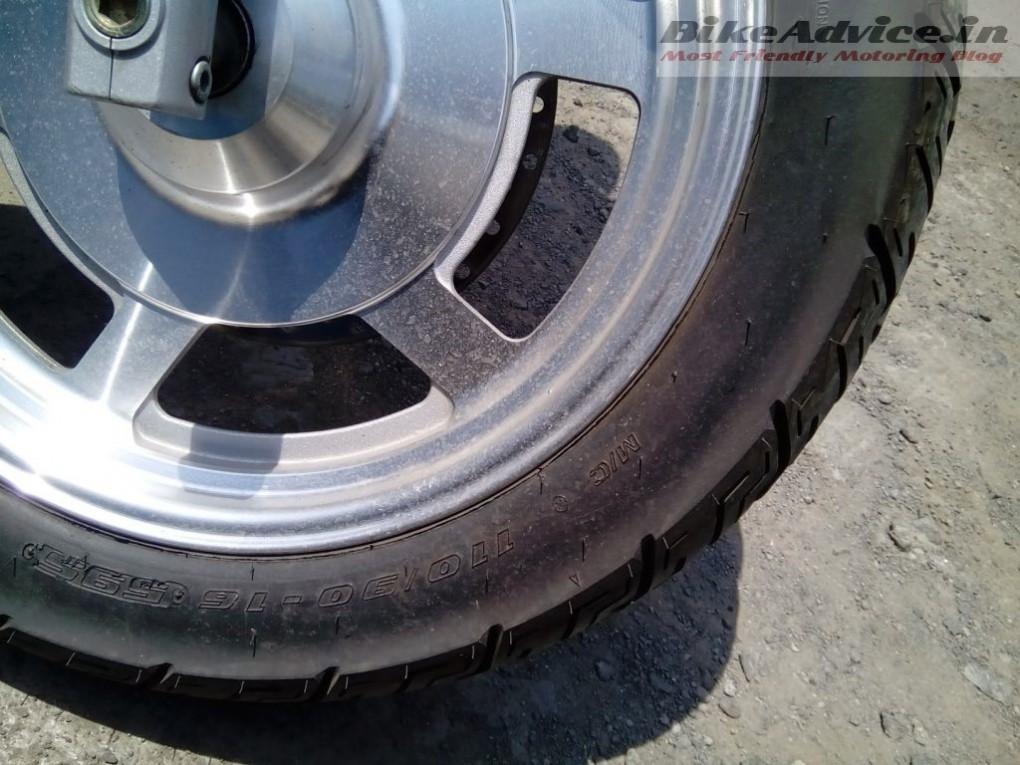 Hyosung-Aquila-250-tyres