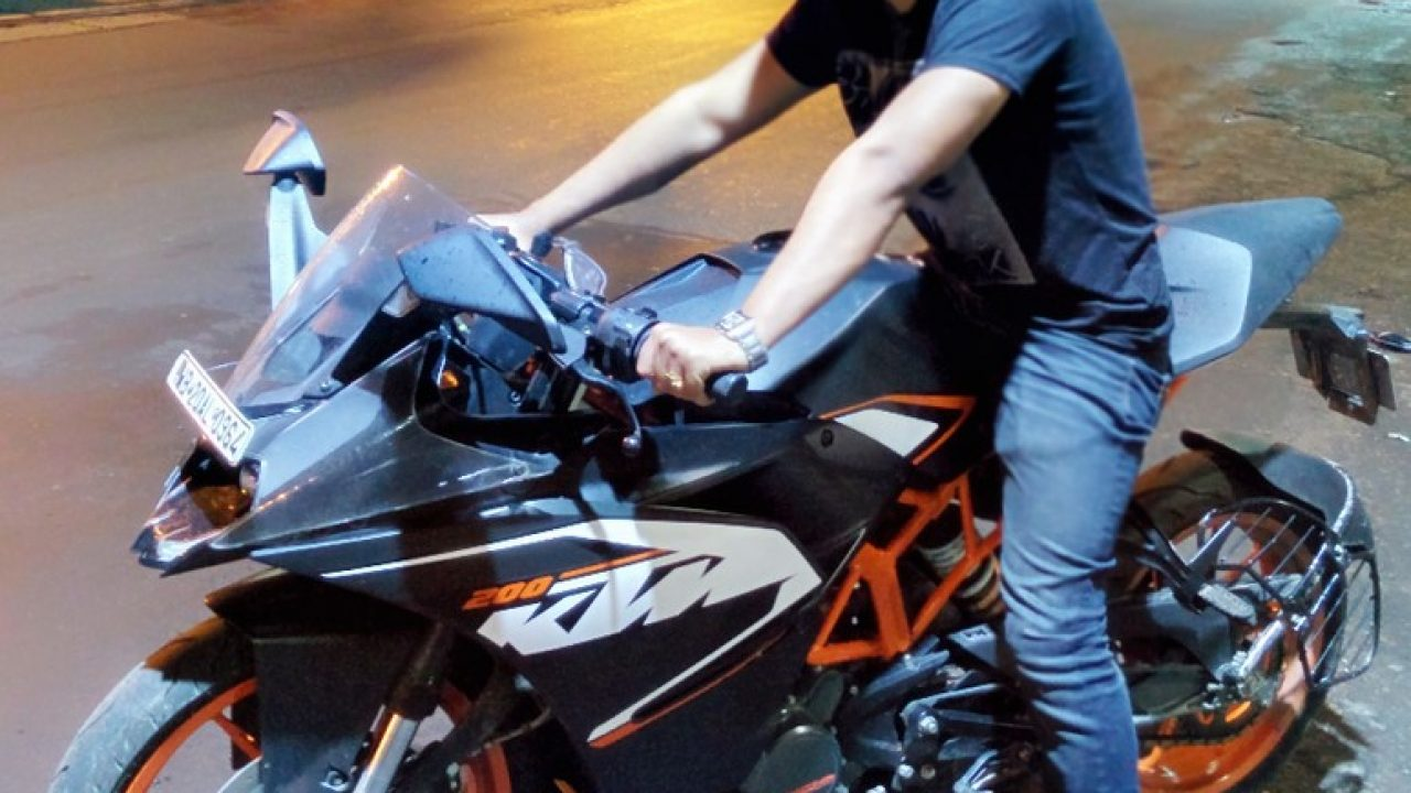 Ktm Rc200 User Review Comfort Engine Brakes Other Details