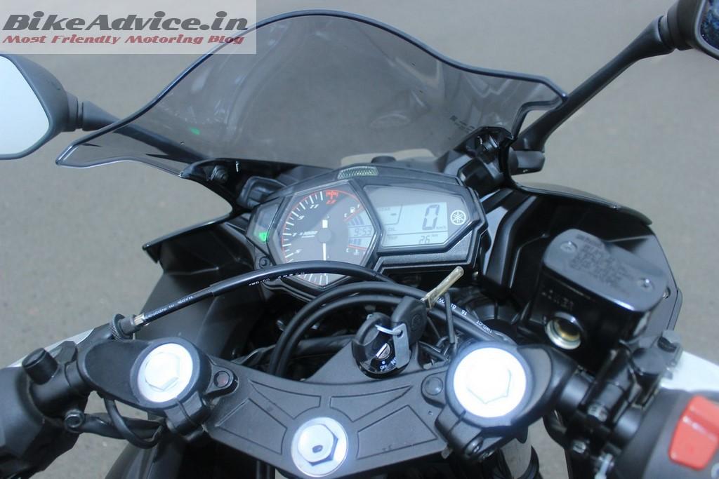 Yamaha R3 instrumentation