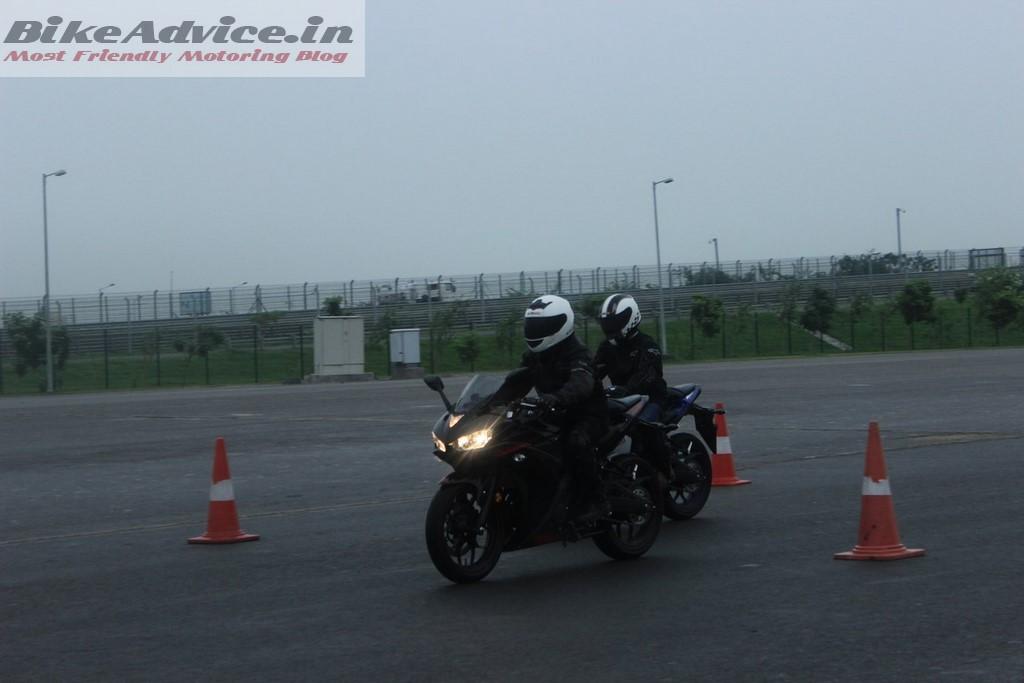 Yamaha R3 motion pic