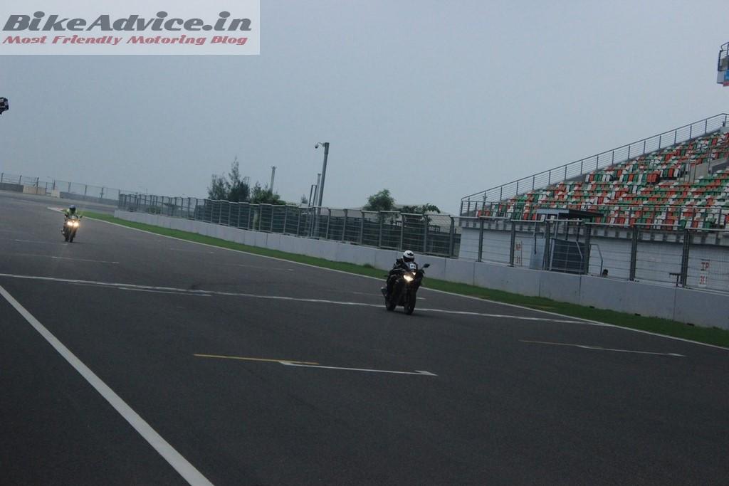 Yamaha R3 top speed