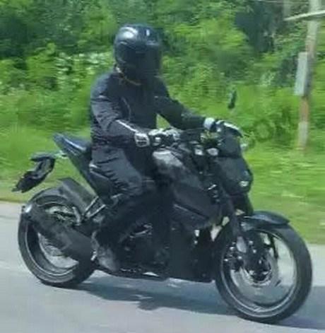 Yamaha-MT15 b