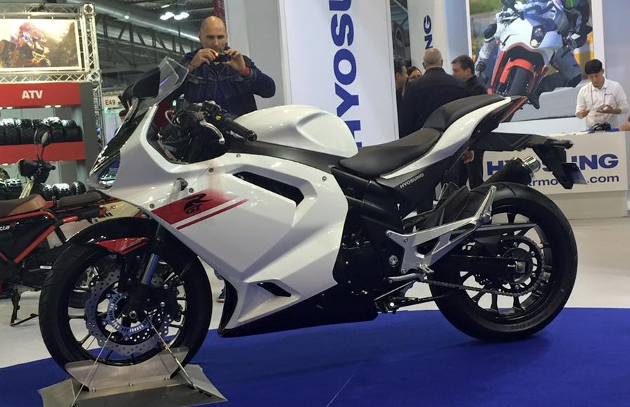 New Hyosung Gt650r Showcased At Eicma India Launch Next Year