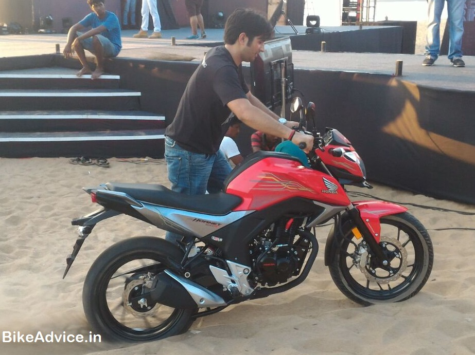 Honda Cb Hornet 160r Launched On Road Price Pics Engine