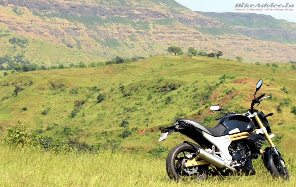 Mahindra-Mojo-Pic (50)
