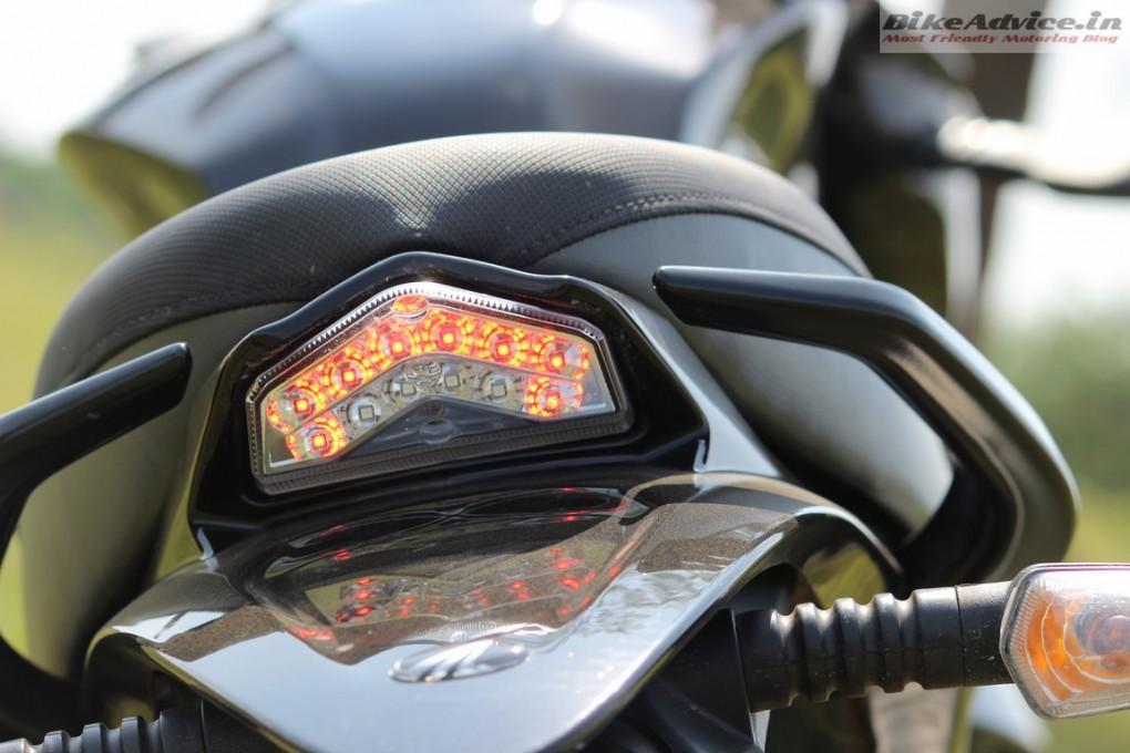 Mahindra-Mojo-Pic-LED-tail