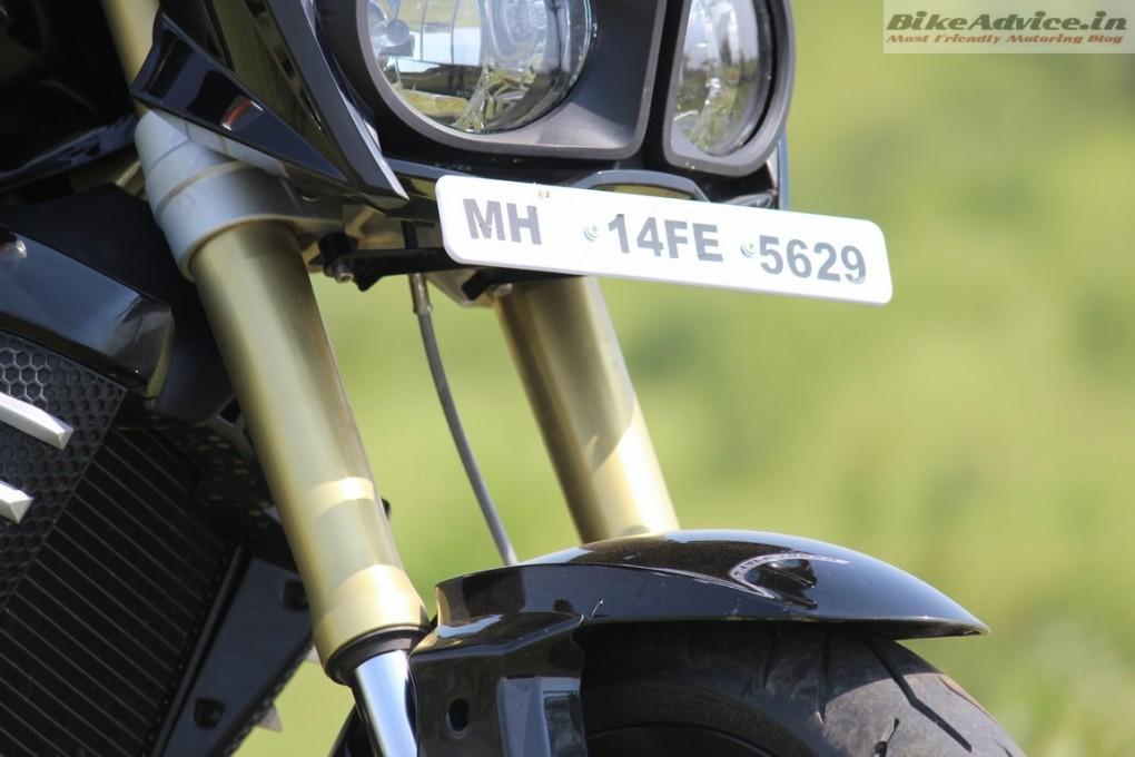 Mahindra-Mojo-Pic-Upside-down-forks